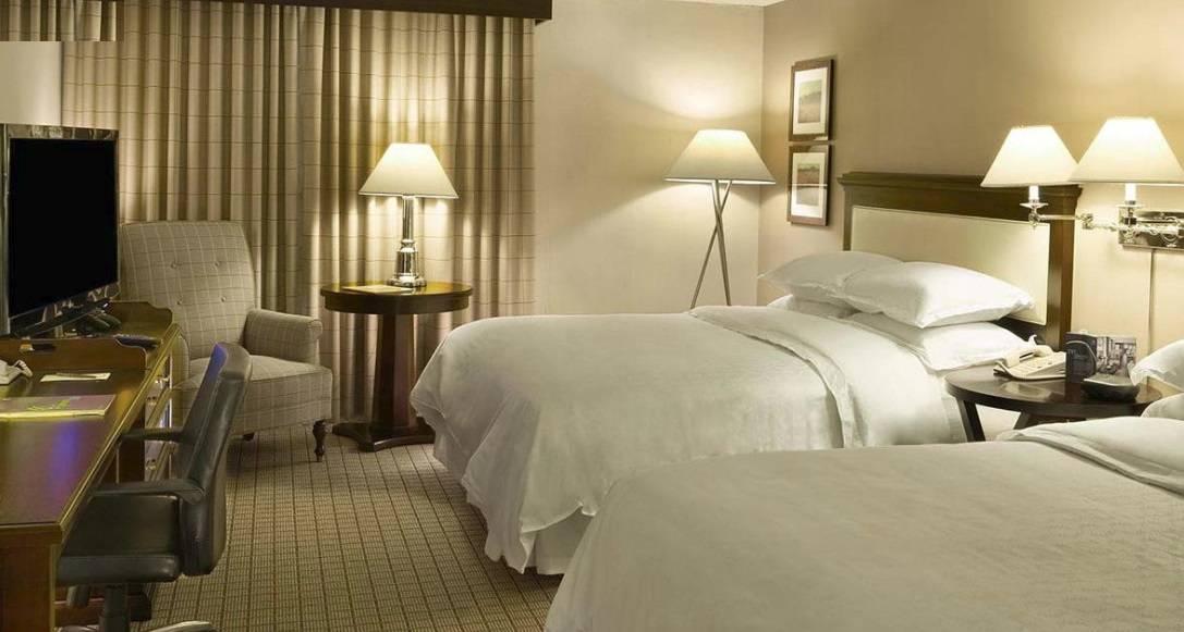 Guest room - two Queen beds